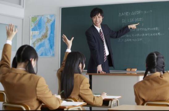 女子校で働く男性教師の悩み!「女子生徒が臭い」www
