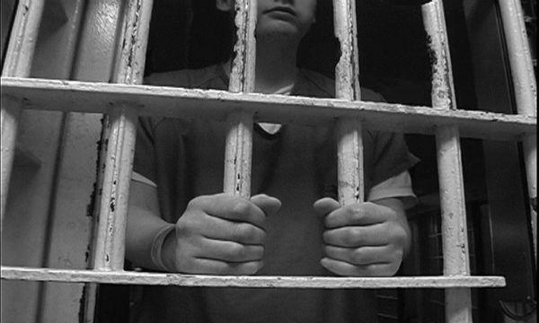 インドネシアで罪人が200人大脱走wwwwやばいwwww