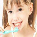 ほとんどの人が「絶対にやってはいけない歯の磨き方」をしているって知ってましたか?!