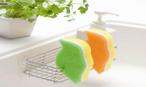 台所スポンジ、実は大便と同じくらい雑菌だらけ!消毒は絶対NG