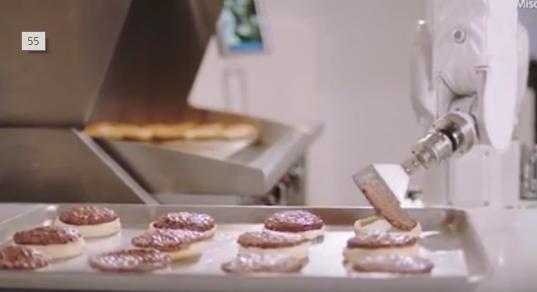 【動画あり】マックのバイトが無くなるかも?!ハンバーガーを作るAIが誕生!!