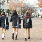 【画像あり】スカート履き忘れて登校した女子高生がヤバすぎwwww