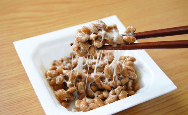 【衝撃】日本人の9割が納豆の食べ方を間違っていたことが判明…。