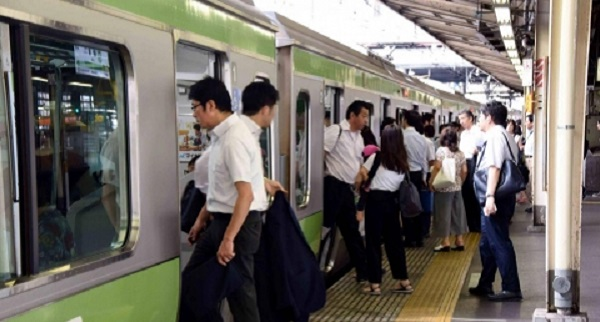25秒早く電車が出発した結果WWWW【海外の反応まとめ】