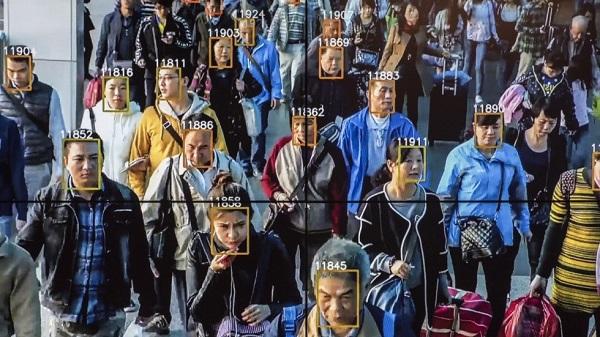 監視された社会!監視カメラ中国2億台 日本500万台!!