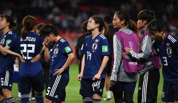 なでしこジャパンベスト16で敗退。高倉監督は解任か?