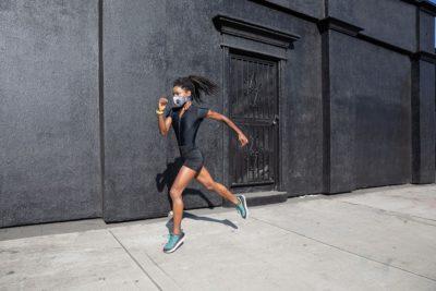 ジョギングでもマスクをつけるのがマナー!?